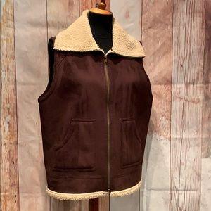 Jones New York fleece sherpa lined soft brown vest